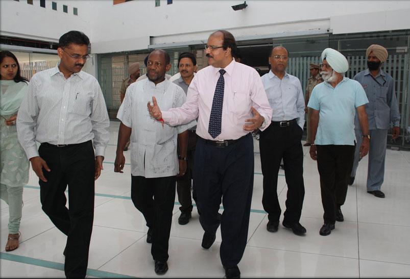 Dr. CA Ashwani Kumar with Dr. Denzil Douglas,  Former Prime Minister of Saint Kitts and Nevis
