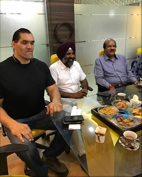 Dr. CA Ashwani Kumar with HonourablePargat Singh and The Great Khali